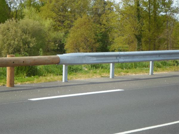 Raccord-bois-à-métal