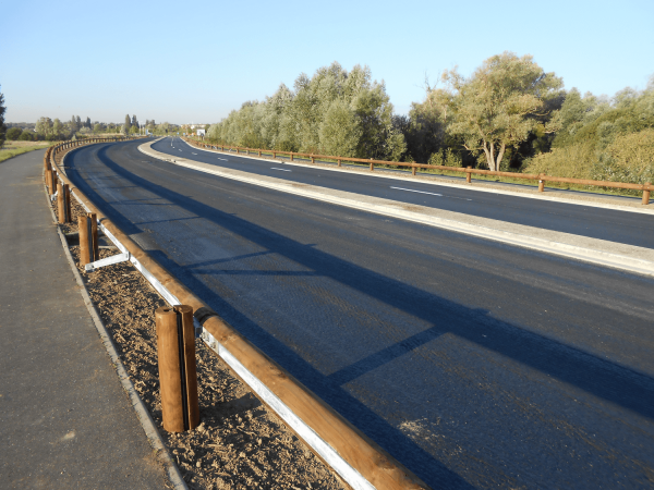 Seguridad vial -Barrera madera-metal-TM18