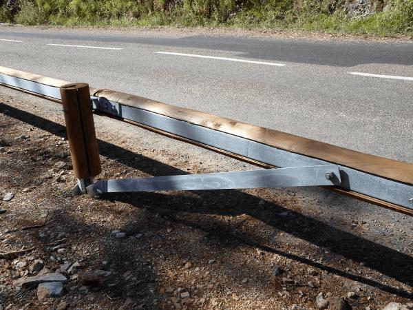 Sécurité routière-Glissière bois-métal-TM18 (6)