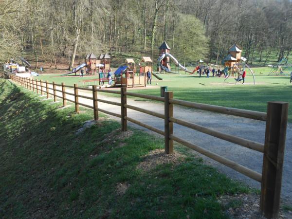 Barrière bois parcours santé aire de jeux
