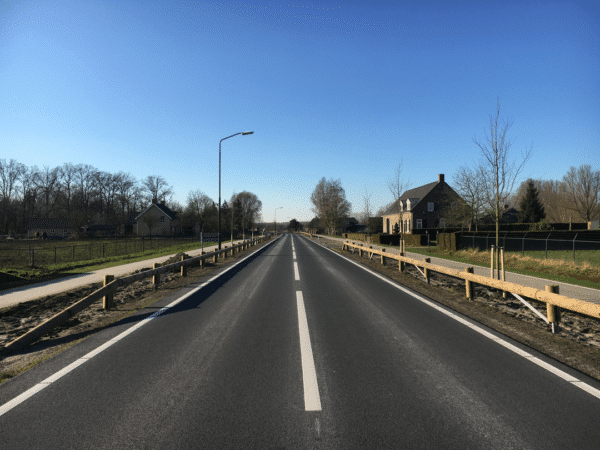 Steel backed timber guardrail Tm184ms2 - Netherlands