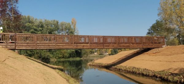 Passerelle en bois et métal portée libre 22 mètres