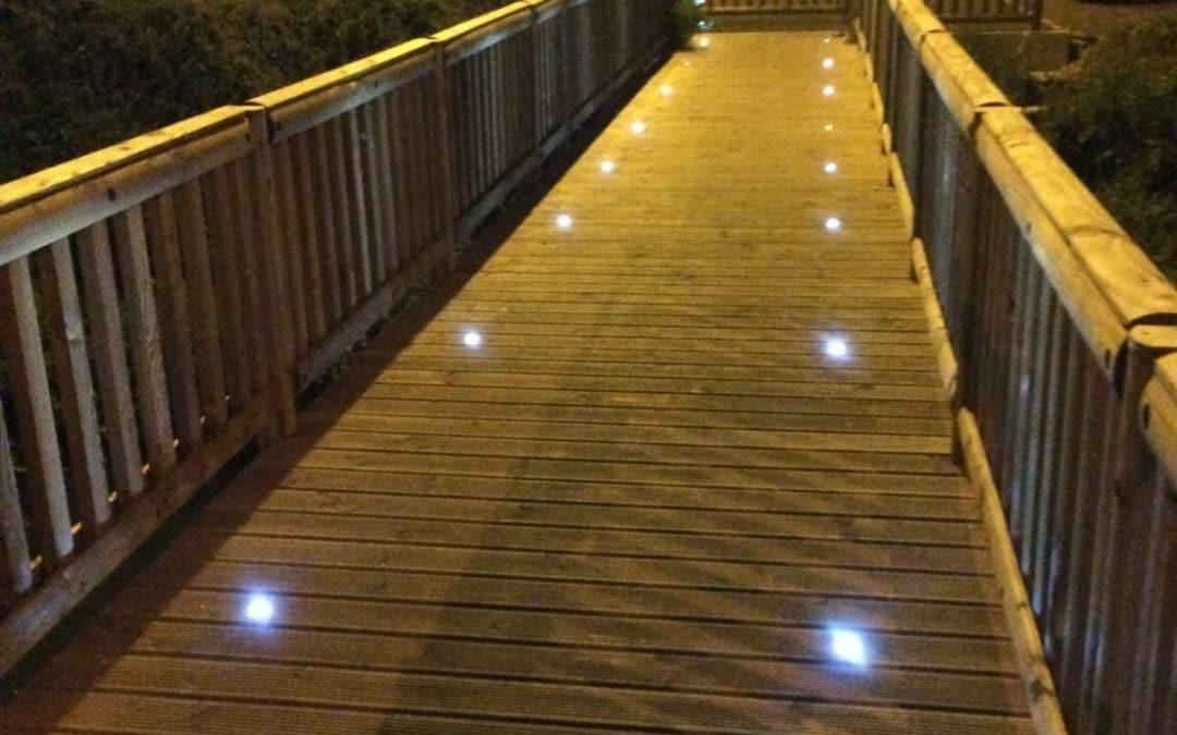 Nouveauté : Les passerelles bois-métal Tertu s'équipent de LED