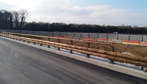 T40 barrera para puentes mixta metal-madera