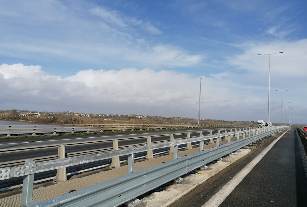 Tertu équipe le Viaduc de la Dordogne sur l'A10
