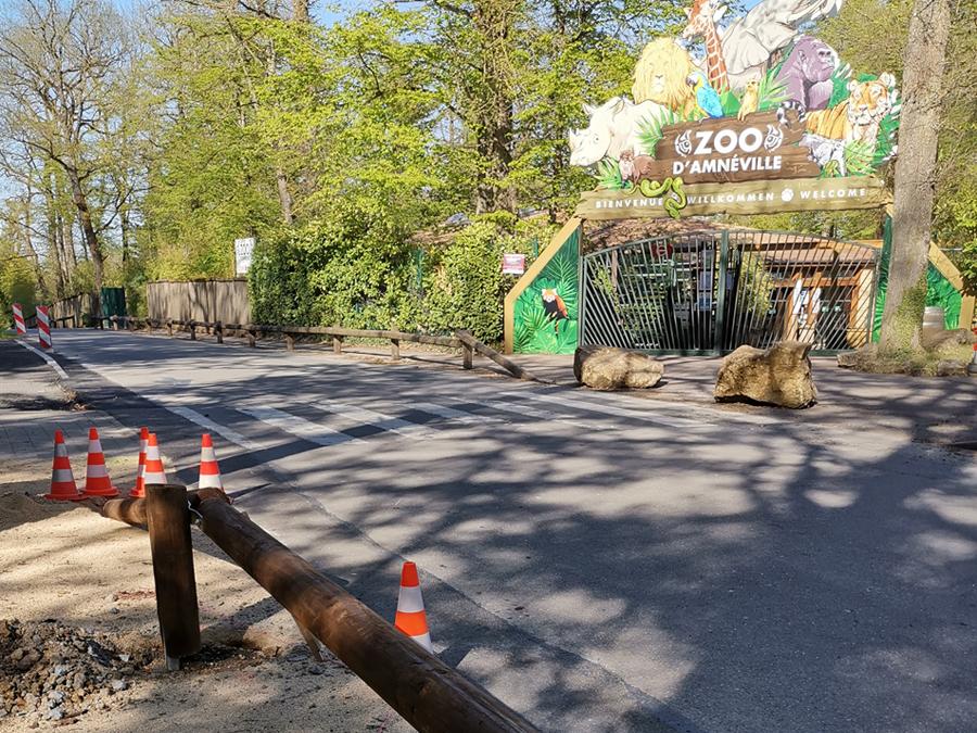La barrière parking Tertu au Zoo d'Amnéville